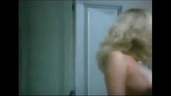 Giving a Hot Blonde MILF a Good Scrub