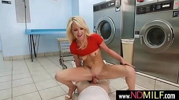 messy laundrylaura bentley 02 mov-06