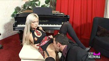 Horny Girl amateur loves get monstrous prick in wth lips till cumshot