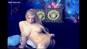 Sexy Busty Blonde Cam Girl Show