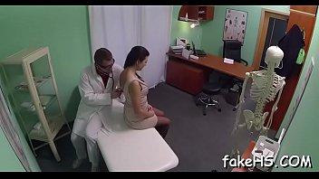 enticing medic reams her gams