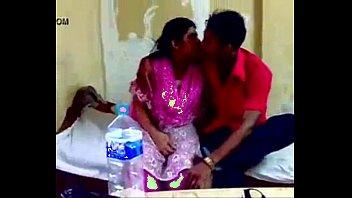 delhi aunty romp with devar