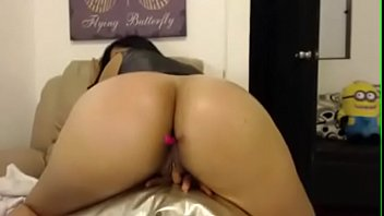 Hot Ass chick real thick