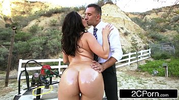 humungous bootie school-dame gracie glam gives straner a.